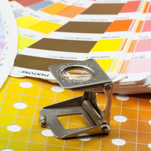 Kataloge, Flyer, Folder und Geschäftsdrucksachen erstellen